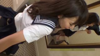 [FC2真實素人精選!] 19歲嫩妹學生黑絲襪被撕開粗暴中出!!最喜歡激烈玩法的她馬上噴了滿地水!!
