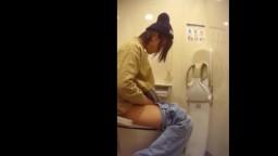 女子トイレ盗撮 01