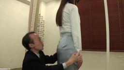 荻野舞 痴漢オークションにかけられた女 私を落札して下さい、そしてスカートを汚して下さい  FNK-028