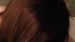 【縦動画】眼光鋭いギャルのフェラ