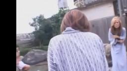 伊豆でつかまえた素人娘と混浴温泉野球拳 1