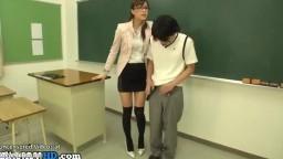 日本人の先生が学生とセックスしています