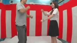 幼さの残る女子校生と野球拳して罰ゲームSEX