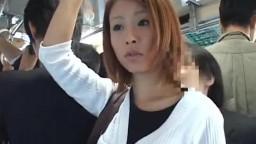 DANDY-166A「満員状態の路線バスで欲求不満の専業主婦に正面から股間と股間を擦りつけたら?」 VOL.1